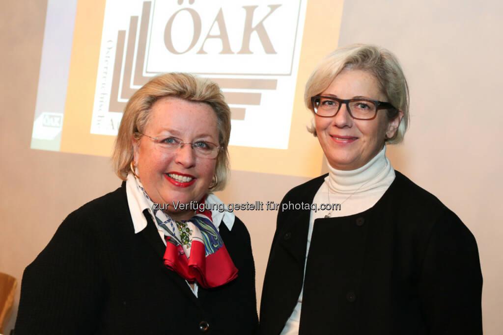 Sibylle Callagy (Präsidentin ÖAK), Friederike Müller-Wernhart (CEO Mindshare): Österreichische Auflagenkontrolle: Erstmalige Ausweisung von ePaper in der ÖAK, © Aussender (25.02.2015)