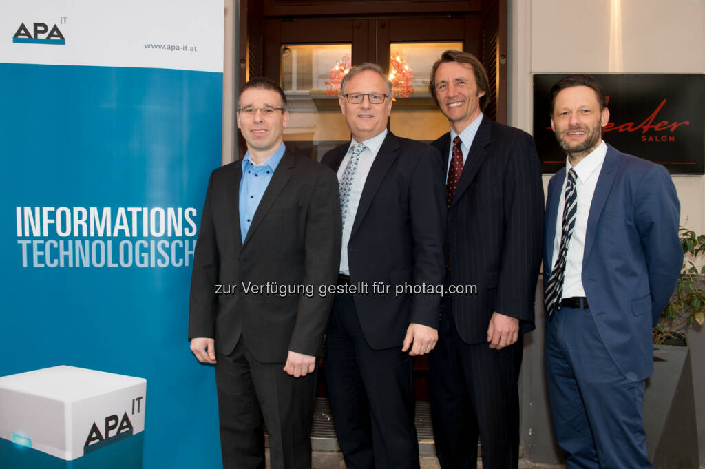 Thomas Frustuck (APA-IT), Alexander Falchetto (APA-IT), Cor Winkler Prins (ITRP Institute), Klaus Konwalin (techwork): Expertentalk bei APA-IT BusinessBreakfast - Zeit und Kostenreduktion durch moderne Service Management Tools , © Aussendung (25.02.2015)