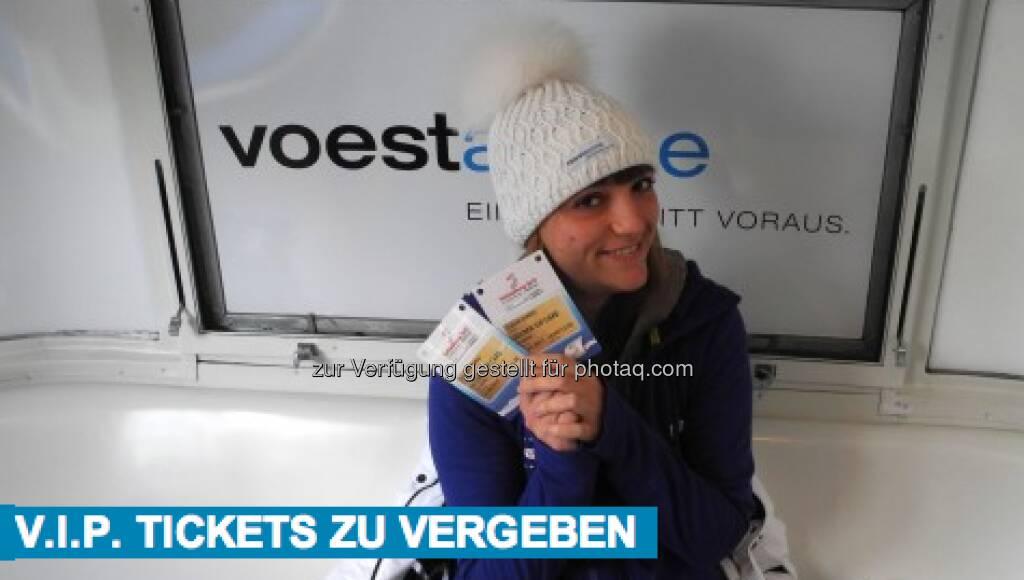 Johanna Holzer: Als Dankeschön, weil ihr uns in den letzten zwei Wochen so fleißig verfolgt habt, vergeben wir für Sonntag noch zwei VIP Tickets. Schickt uns bis heute um 18:00 Uhr eine Mail an skiwmblog@yahoo.de, in der ihr erklärt welches euer Lieblingsvideo aus dem Blog ist. Damit nehmt ihr an der Verlosung der zwei VIP Tickets teil und könnt am Sonntag beim spannenden Finale, dem Herren Slalom, mitfiebern, &copy; <a href=