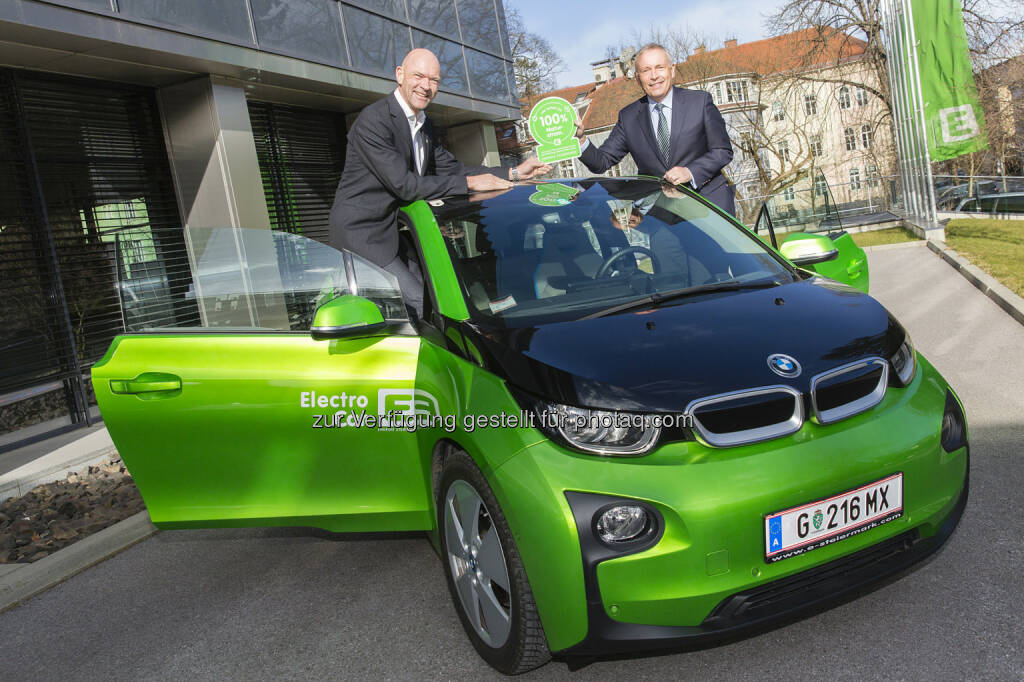 Regierungskomissär Jürgen Winter mit Vorstandssprecher Christian Purrer, Energie Steiermark AG: Schladming steigt komplett auf Naturstrom um, © Aussendung (06.03.2015)