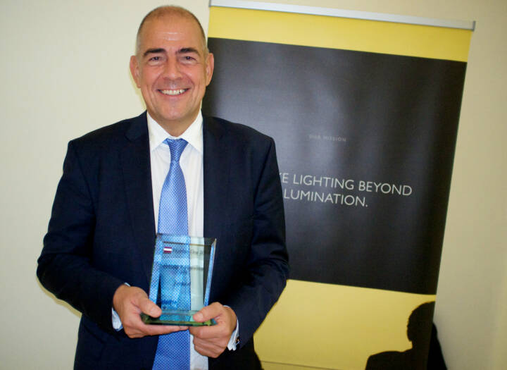 Ulrich Schumacher mit dem Number One Award 2014 im ATX