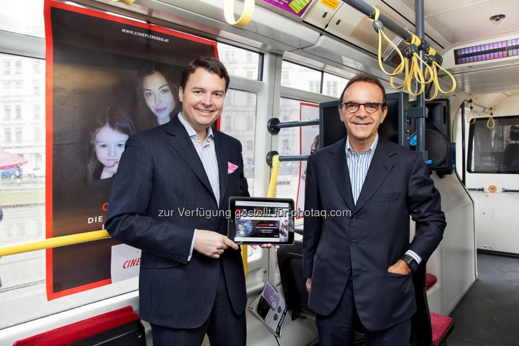 Christof Papousek (Geschäftsführer Cineplexx) rechts, Stefano Parisi (Präsident Chili): Cineplexx Kinobetriebe GmbH: Cineplexx2go - Die weite Welt des Films zum Mitnehmen, © Aussendung (11.03.2015)