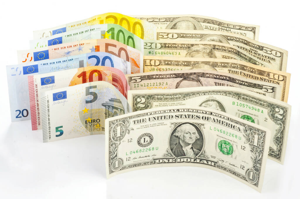 Euro, Dollar, Banknoten - http://www.shutterstock.com/de/pic-258340211/stock-photo-two-leading-hard-currencies-us-dollar-and-euro.html, © www.shutterstock.com (19.03.2015)
