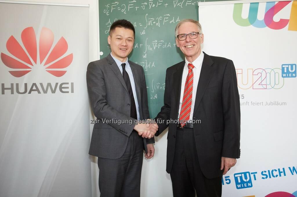 """Jay Peng, CEO Huawei Technologies Austria und  Adalbert Prechtl, Vizerektor für Lehre: Huawei Technologies Austria GmbH: Huawei startet Studentenprogramm """"Telecom Seeds for the Future"""", © Aussendung (23.03.2015)"""