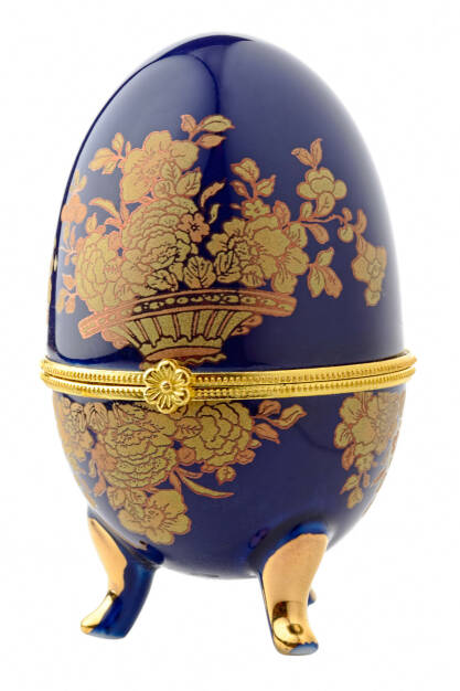Faberge, Fabergé Ei, Osterei - http://www.shutterstock.com/de/pic-89056492/stock-photo-decorative-ceramic-easter-egg-for-jewellery-faberge-egg-against-white-background.html, © www.shutterstock.com (26.03.2015)