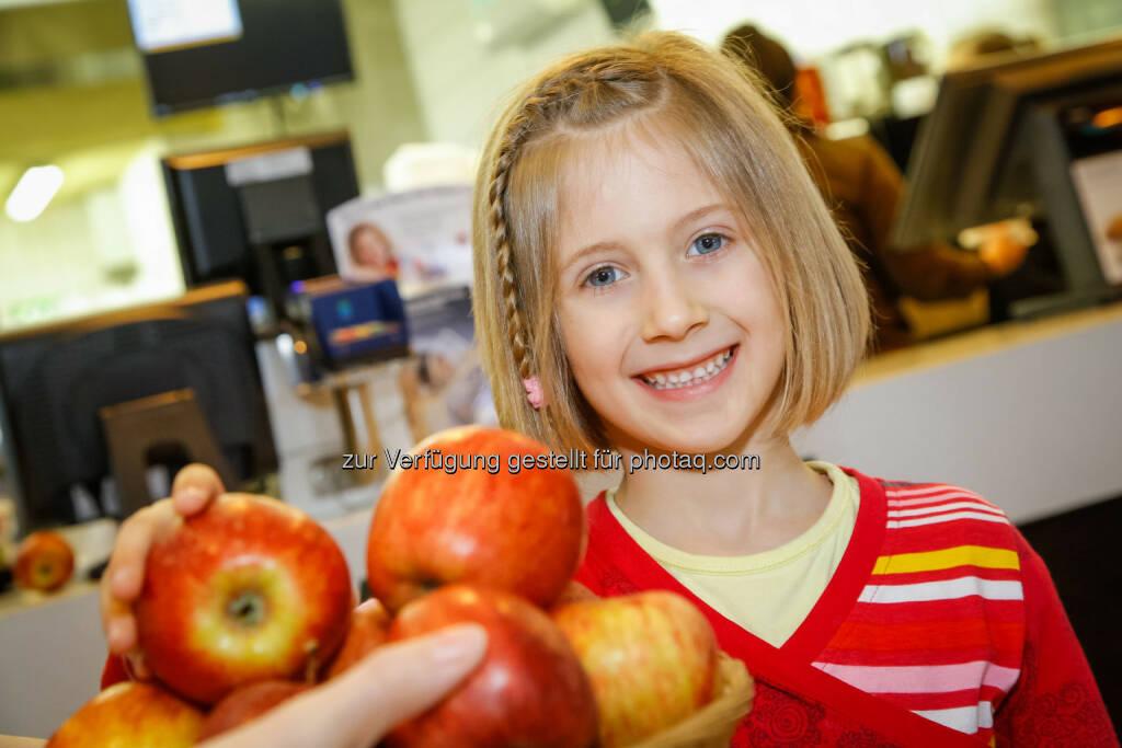 McDonald's Österreich: Gratis-Äpfel am 3. April in allen McDonald's Restaurants (Bild: McDonald's Österreich), © Aussender (01.04.2015)