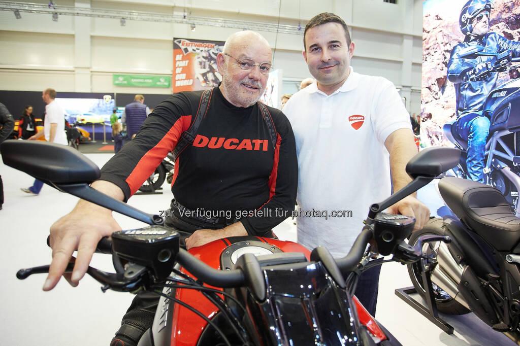 Intendant Wolfgang Böck und Didi Brandl, Geschäftsführer Ducati Austria: Messe Tulln GmbH: Die bike-austria Tulln wurde bei strahlendem Sonnenschein eröffnet, © Aussender (11.04.2015)
