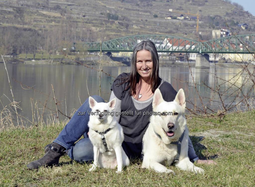 """Andrea Specht, Chefredakteurin Tierschutzwelt: Petmedia Verlag GmbH: Am 16. April erscheint in Österreich ein neues Tierschutzmagazin – die """"Tierschutzwelt"""", © Aussender (14.04.2015)"""