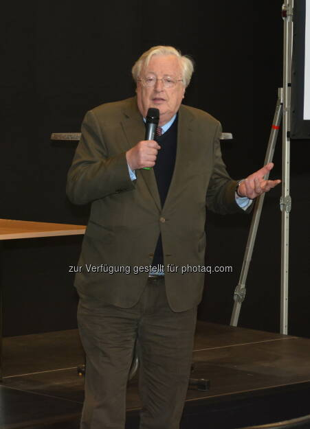 """Josef Taus eröffnete die Xfair, die """"Print-und Crossmedia-Show"""", © Aussender (15.04.2015)"""