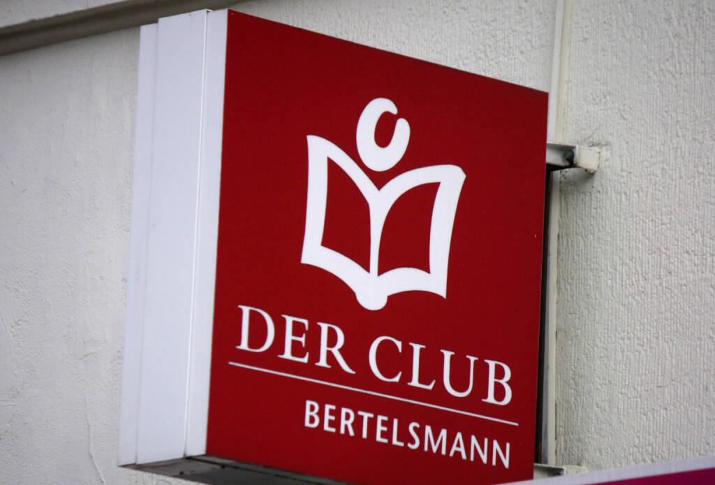 Bertelsmann, Der Club, Buch, Bücher <a href=http://www.shutterstock.com/gallery-320989p1.html?cr=00&pl=edit-00>360b</a> / <a href=http://www.shutterstock.com/editorial?cr=00&pl=edit-00>Shutterstock.com</a>, © www.shutterstock.com (17.04.2015)
