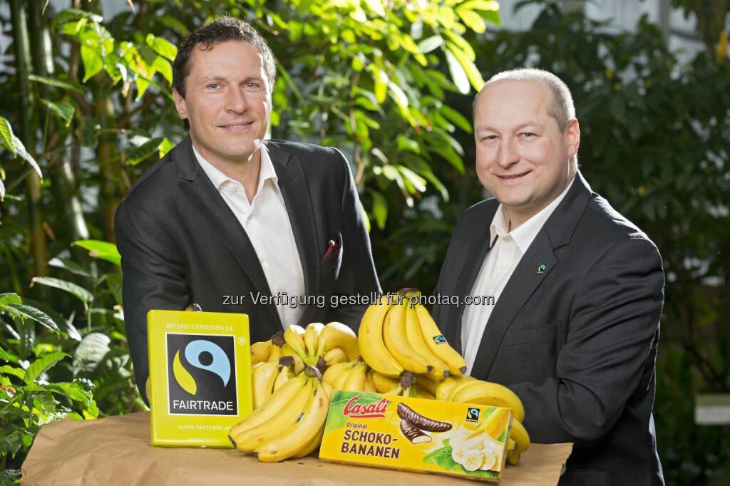 Ulf Schöttl, Marketingleiter Manner und Hartwig Kirner, GF Fairtrade: Josef Manner & Comp. AG: Casali-Schoko-Bananen ab sofort Fairtrade zertifiziert, © Aussender (17.04.2015)