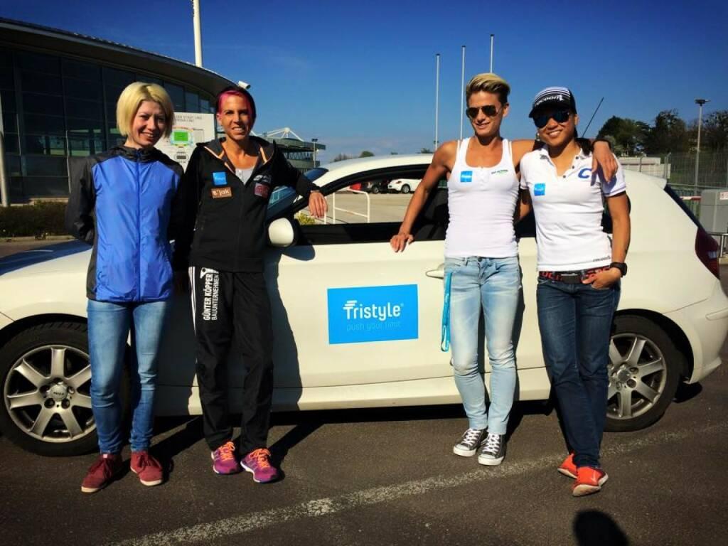 Mit Laura Ghelmez in der Staffel zum Rekord: Tristyle Runplugged Runners Conny Köpper, Elisabeth Niedereder, Annabelle-Mary Konczer (19.04.2015)