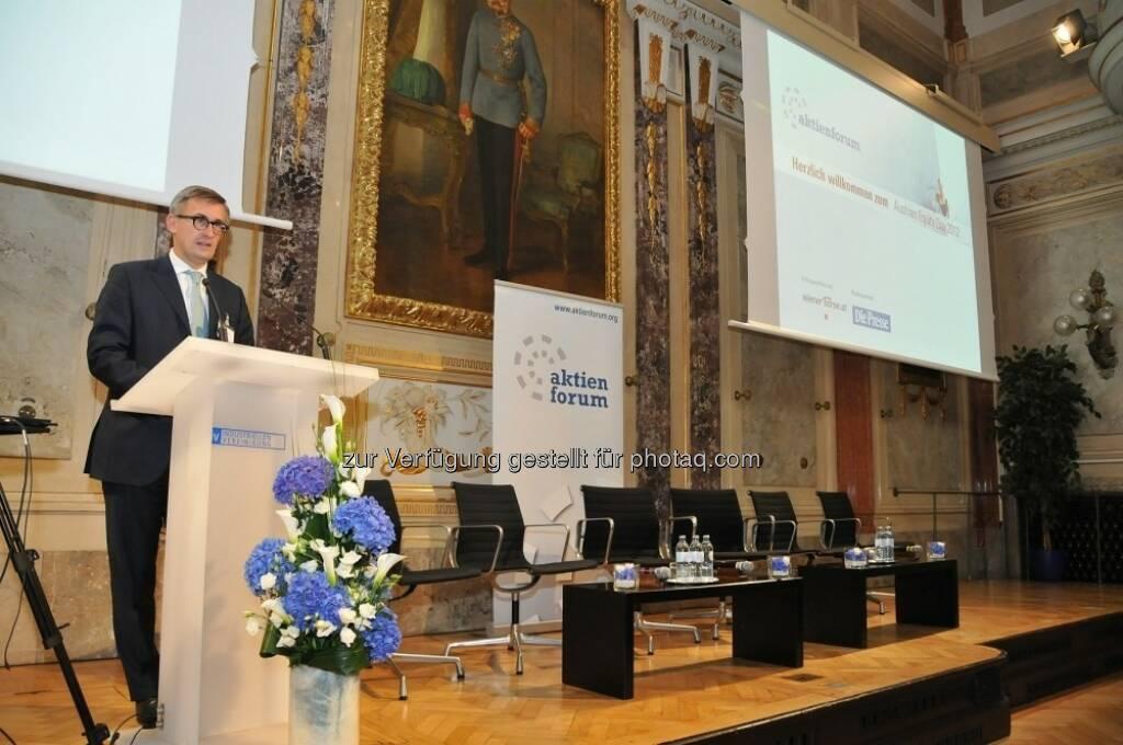 Eröffnung durch Aktienforum Präsident Robert Ottel (15.12.2012)