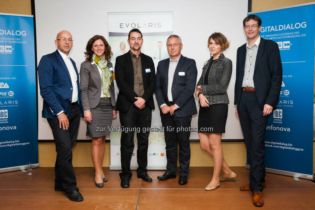 Dieter Matuschek (Marketing Leiter, ShoppingCity Seiersberg), Katharina Heil (Gründerin und CEO well Linked), Martin Schumann (Leiter Smart Commerce, evolaris), Peter Horvath (Partner, Institute of Brand Logic), Kristina Forstlechner (Gründerin und CEO Mützenmafia), Christian Kittl (Geschäftsführer evolaris): evolaris next level GmbH: Digitaldialog: Mit digitalen Innovationen, Kunden an den stationären Handel binden, © Aussender (29.04.2015)