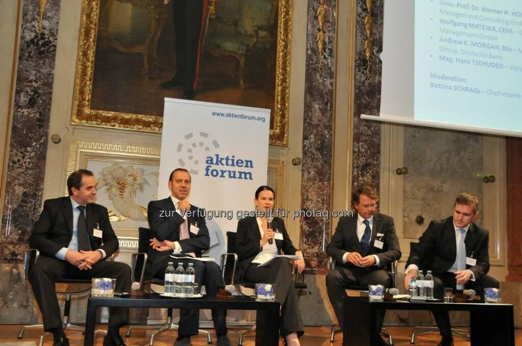 Paneldiskussion, Moderation: Bettina Schragl (Börse Express) (15.12.2012)
