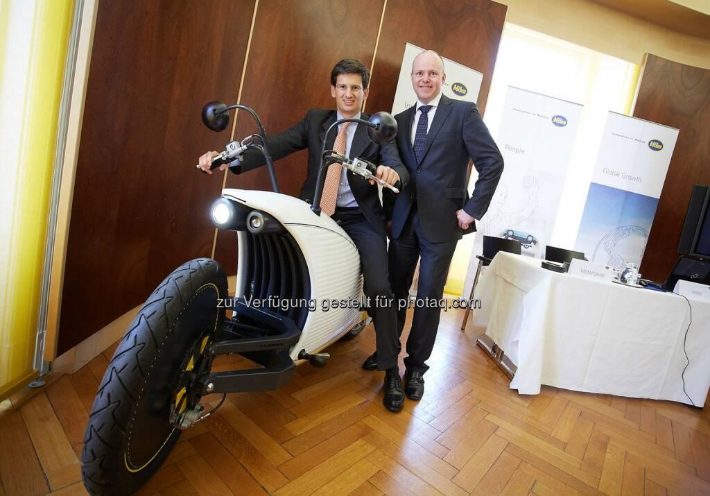 Vorstandsvorsitzender Peter Mitterbauer und Finanzvorstand  Markus Hofer, Miba AG: Miba Bilanz 2014/15: Wachstumsmotor läuft, © Aussendung (06.05.2015)