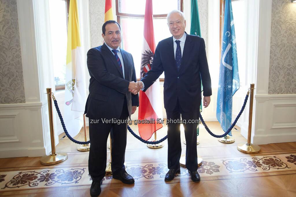 Der Spanische Außenminister Jose Manuel Garcia-Margallo und Generalsekretär des Kaiciid Faisal Bin MuaammarKAICIID Dialogue Centre: Spanischer Außenminister auf offiziellem Besuch bei Kaiciid (11.05.2015)