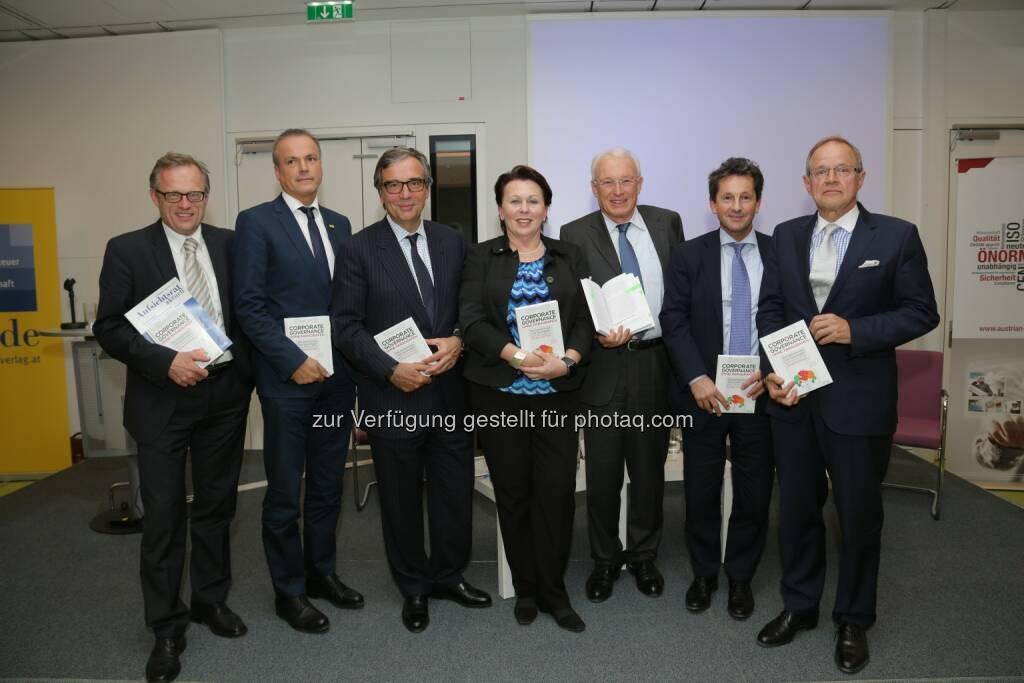 Wolfgang Hammerer (GF. des WdF), Eduard Müller (GF Linde Verlag), Andreas Ludwig (CEO Umdasch Gruppe), Elisabeth Stampfl- Blaha (Dir. Austrian Standards), Manfred Reichl (Buchautor und Unternehmer), Christoph Herbst (RA Herbst Kinsky), Erhard F. Grossnigg (Unternehmnessanierer und GF E.F.Grossnigg Finanzberatung und Treuhandgesellschaft mbH): Linde Verlag Ges.m.b.H.: Die Geheimnisse und Spielregeln guter Steuerung von Unternehmen (12.05.2015)