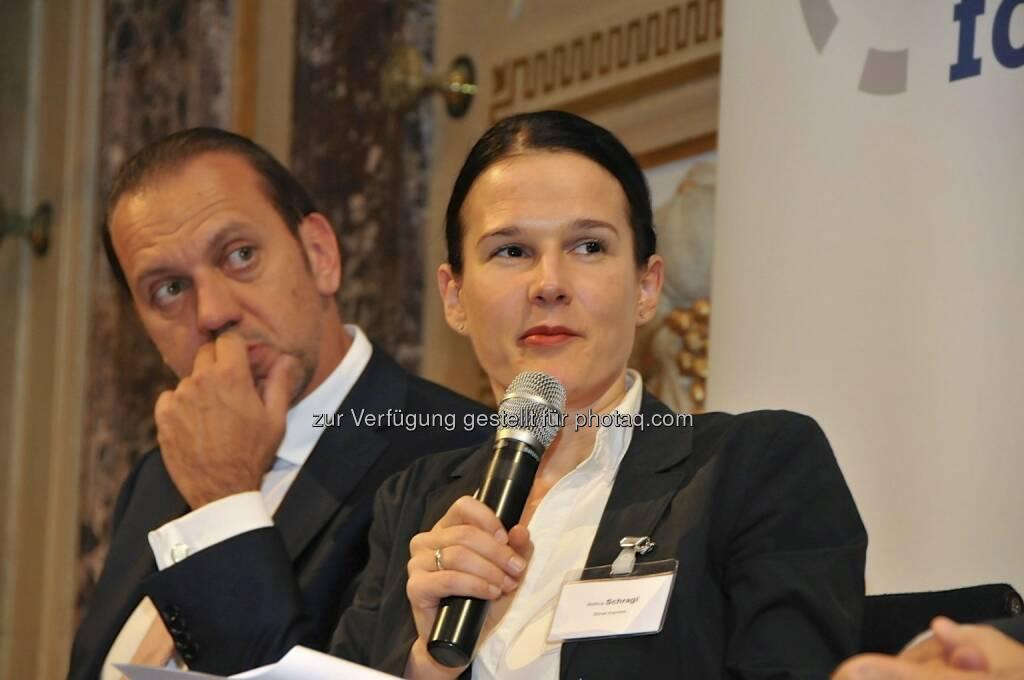 Werner Hoffmann (Contrast Management), Bettina Schragl (Börse Express) (15.12.2012)