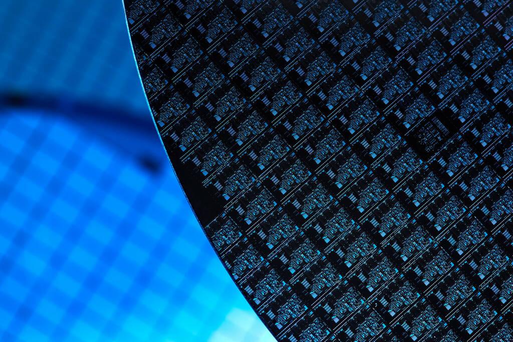 Silizium Wafer, http://www.shutterstock.com/de/pic-196857266/stock-photo-silicon-wafers.html, © www.shutterstock.com (19.05.2015)