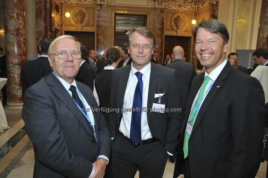 Hans Tschuden (Telekom Austria), Gerhard Marterbauer (Deloitte, rechts) (15.12.2012)