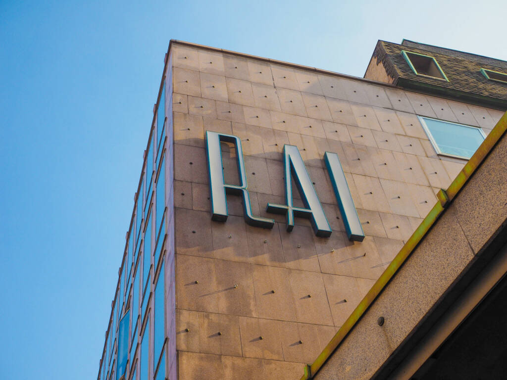 RAI palace in der Via Verdi, Turin italienscher Staatssender <a href=http://www.shutterstock.com/gallery-97684p1.html?cr=00&pl=edit-00>Claudio Divizia</a> / <a href=http://www.shutterstock.com/editorial?cr=00&pl=edit-00>Shutterstock.com</a>, © www.shutterstock.com (21.05.2015)