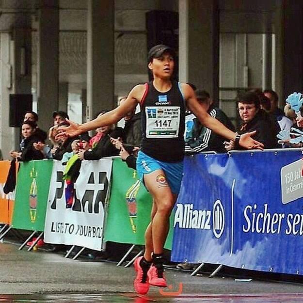 Annabelle-Mary Konczer (Tristyle Runplugged Runners) siegt beim Rapidlauf 2015; Rapid, Allianz - Foto mit freundlicher Genehmigung von Thomas Bauer (HDSports) (24.05.2015)
