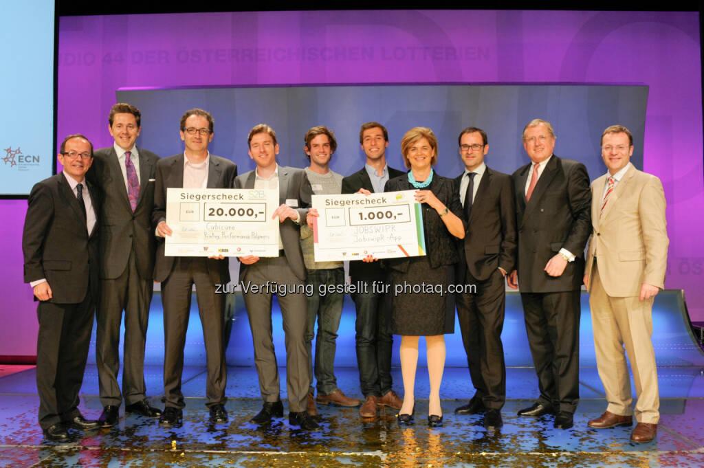 Peter Haubner, Harald Mahrer (BMWFW), Jürgen Stampfl (Cubicure / S2B Award Gewinner 2015), Robert Gmeiner (Cubicure / S2B Award Gewinner 2015), Daniel Laiminger (JobwipR; FFC Gewinner 2015), Karl Edlbauer (JobswipR; FFC Gewinner 2015), Bettina Glatz-Kremsner (Vorsitzende des Fondskuratoriums & Vorstandsdirektorin der Österreichischen Lotterien), Rudolf Dömötör (Vorsitzender der S2B Award Jury, Direktor des Entrepreneurship Center Networks der WU Wien), Ernst Rosi (Mitglied des Fondskuratoriums / Raiffeisen Zentralbank Österreich AG), Walter Gröblinger (Jurymitglied der FFC /Österreichische Volksbanken AG): Österreichischer Wirtschaftsbund: Rudolf Sallinger Fonds: Das sind die Gewinner des S2B-Awards und der Future Founders Challenge 2015, © Aussendung (27.05.2015)