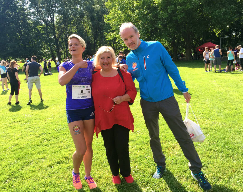 Elisabeth Niedereder (Tristyle Runplugged Runners), Martina Malyar (Bezirksvorsteherin 1090 Wien), Christian Drastil (Laufbotschafter 1090 Wien) (31.05.2015)