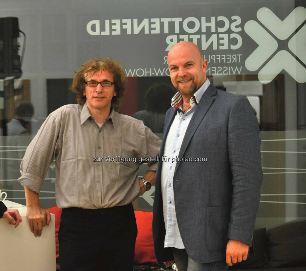 Josef Penninger mit Biogena-Eigentümer Albert Schmidbauer: Biogena Naturprodukte GmbH & Co KG: Ein Hauch von Krebs-Championsleague, (C) Biogena, © Aussender (03.06.2015)