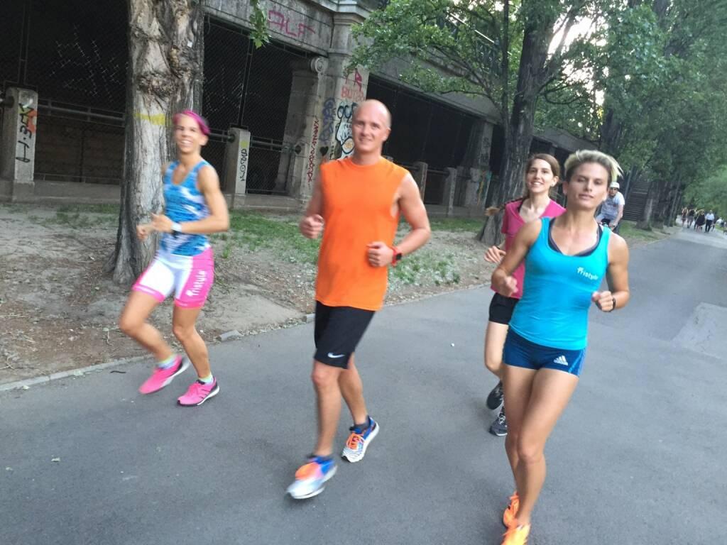 Tristyler trainieren am Donaukanal: Conny Köpper, Markus Steinacher, Melanie Raidl, Elisabeth Niedereder (06.06.2015)