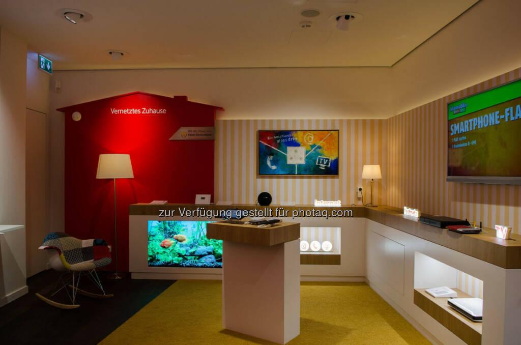 Vodafone eröffnet Flagshipstore in München: Kooperation mit RWE: Integriertes smartes Wohnzimmer zeigt das Wohnen der Zukunft, © Aussendung (10.06.2015)