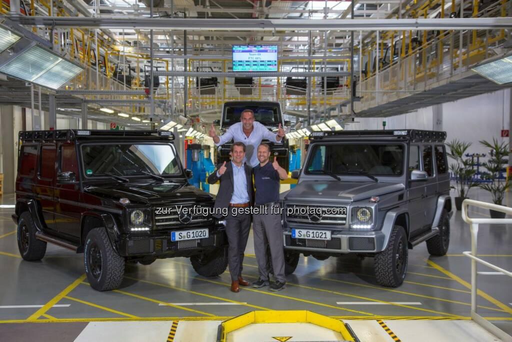 Mike Horn (Mitte) mit Gunnar Güthenke (links) und Kurt Bachmaier (rechts) bei der Übergabe der G-Klasse in Graz am 7. Mai 2015 (C) Daimler , © Aussendung (11.06.2015)