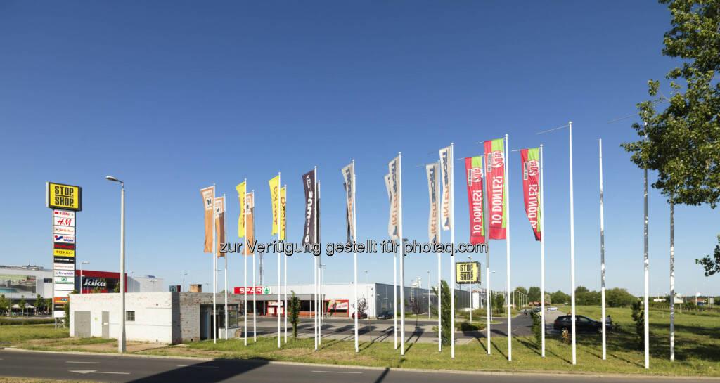 Immofinanz Group freut sich über Ungarn-Deal: H&M entscheidet sich für Stop.Shop-Fachmärkte der Immofinanz (c) Aussendung  (07.03.2013)
