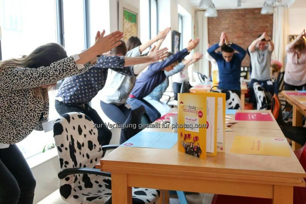 Ambuzzador Hoffnung Yoga, © Aussender (19.06.2015)