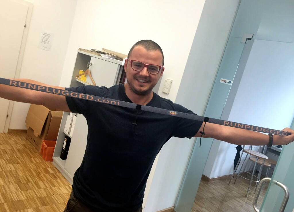 Michael Plos, Börse Express, mit dem Runplugged Laufgurt (19.06.2015)
