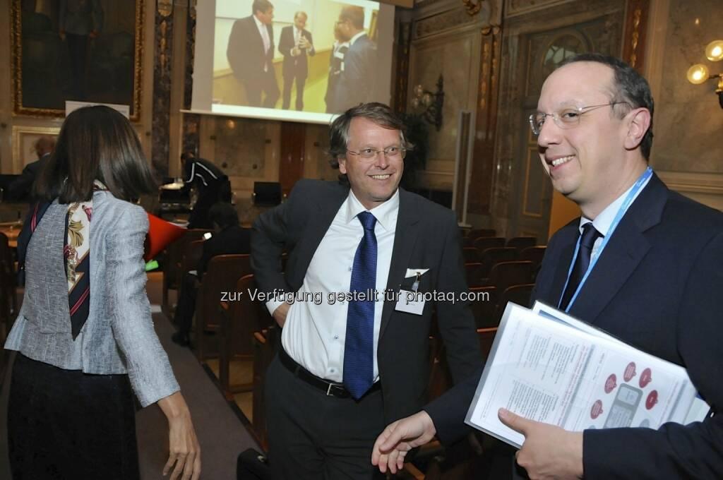 Birgit Kuras (Wiener Börse), Hans Tschuden (Telekom Austria) (15.12.2012)