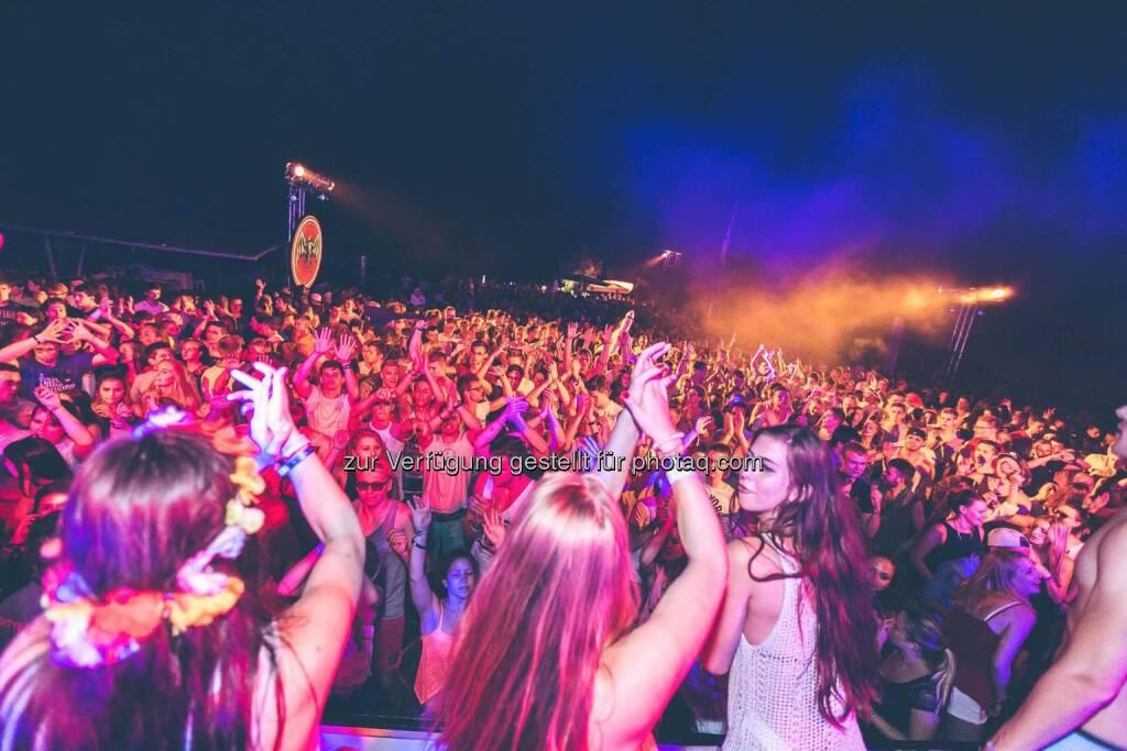 X-Jam 2015, Arena, Menschenmassen, Party, © DocLX (07.07.2015)