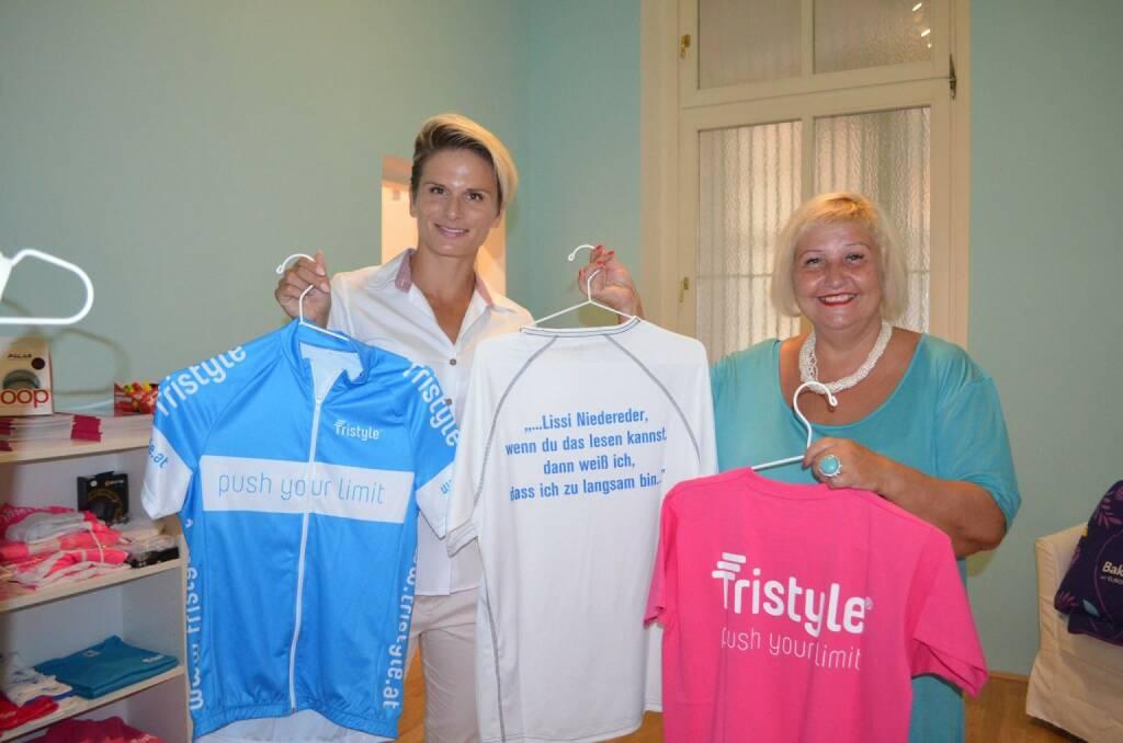 Tristyle Wear: Elisabeth Niedereder, Bezirksvorsteherin Martina Malyar (08.07.2015)