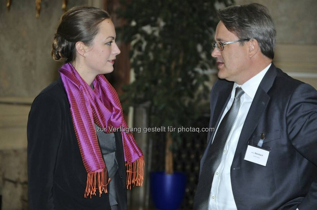 Ulrike Haidenthaller (Aktienforum), Martin Steinbach (Ernst & Young) (15.12.2012)