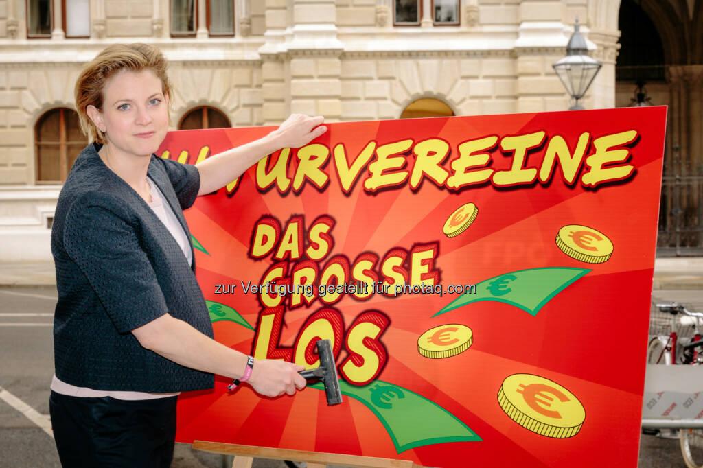 Beate Meinl-Reisinger: Neos: Vereinsmeierei als Abzockerei : © Florian Albert/Neos, © Aussender (14.07.2015)