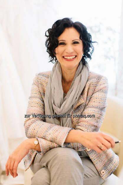 Angela Lindner,  Agentur für internationale Hochzeiten : © Tony Gigov , © Aussender (14.07.2015)