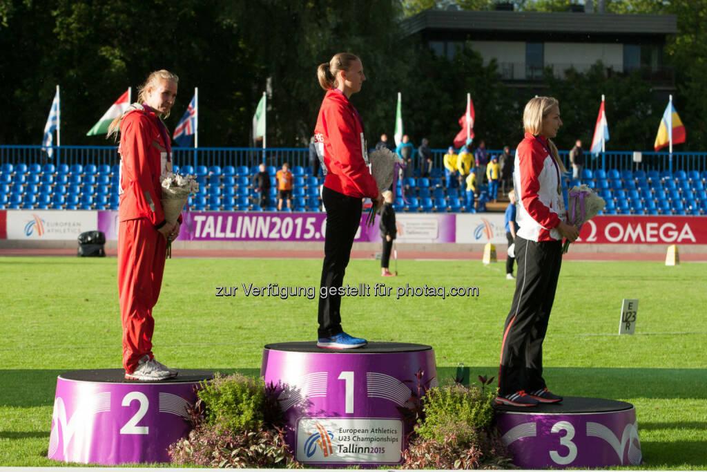 Ivona Dadic, Siegerehrung Siebenkampf, Medaillen (Bild: ÖLV/Coen Schilderman) (21.07.2015)