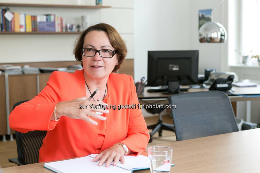 Karolina Offterdinger (Vstd. OeKB Versicherung) : Acredia Versicherung AG: Iran – Geschäftschancen mit Ausfallsrisiko  © OeKB Versicherung, © Aussender (23.07.2015)