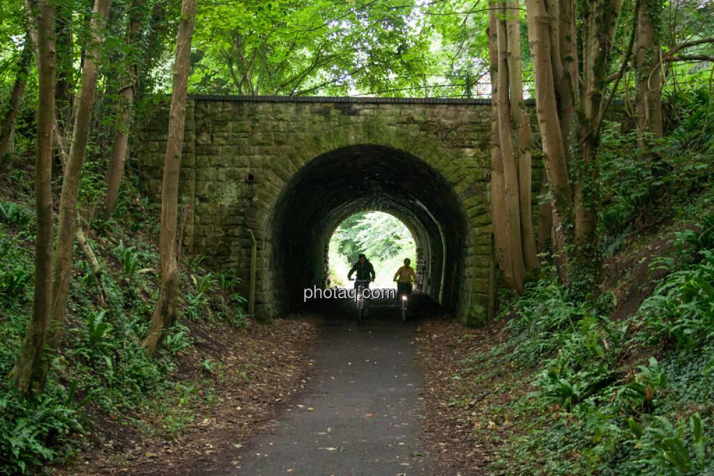 Tunnel, Brücke, Fahrrad, © Martina Draper (28.07.2015)