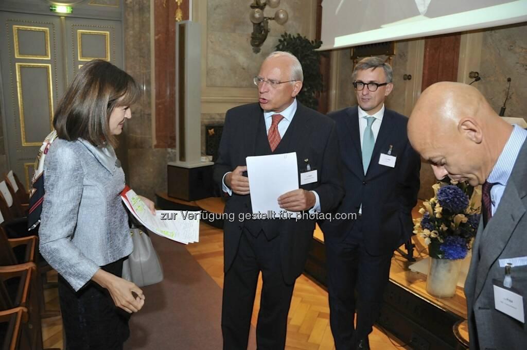 Birgit Kuras (Wiener Börse), Claus Raidl (OeNB), Robert Ottel (voestalpine/Aktienforum), Kurt Pribil (FMA) (15.12.2012)