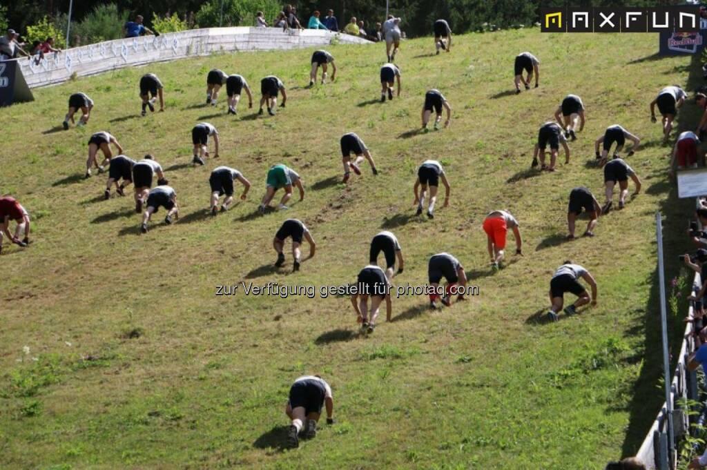 Red Bull 400, bergauf, kriechen, mühsam, schwierig, anstrengend, hinauf, aufwärts, © MaxFun Sports (05.08.2015)