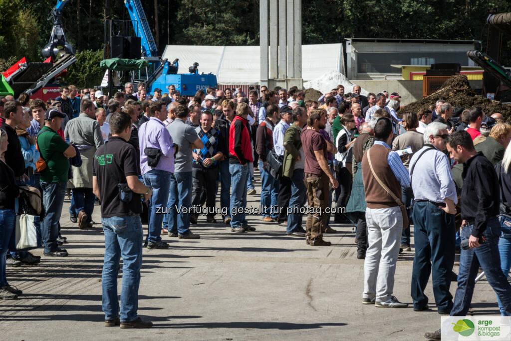 """Arge Kompost & Biogas Österreich: Demoshow der Branche und """"KompOskar"""" : 4. internationaler Praktikertag (IPT) Kompostierung und Biomasseaufbereitung : Umsetzgeräte, Siebanlagen, Schredder, Hacker, Radlader und vieles mehr werden im Praxisbetrieb vorgestellt. Alle namhaften mitteleuropäischen und österreichischen Umwelttechnikspezialisten werden dabei sein und wieder Neues und Bewährtes für eine erfolgreiche Kompostierung und Biomasseaufbereitung präsentieren : Fotograf: Reisenhofer Richard/Fotocredit: akbö, © Aussender (13.08.2015)"""