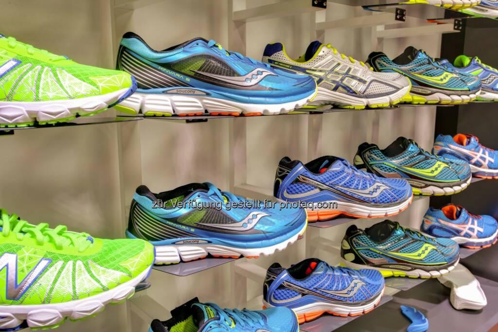 Laufschuhsortiment, Laufen, Schuhe - Conda schickt WeMove RunningStores an den Start (Bild: Conda.at), © Aussendung (18.08.2015)