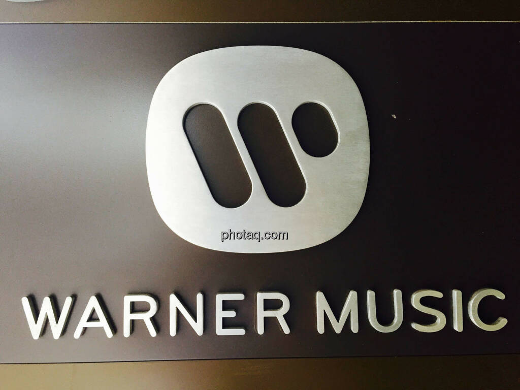 Warner Music, Logo, © photaq.com (23.08.2015)
